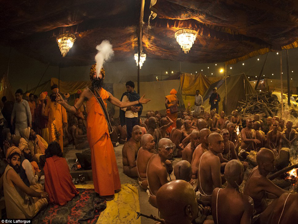 holy-smoke-india-sadhus
